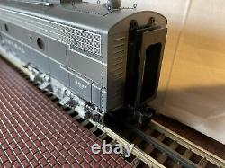 Lionel Legacy New York Central E8 AA Set (6-84088)
