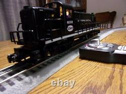 Lionel LionChief NYC Alco RS2 (Round Switcher) Diesel Locomotive and Caboose