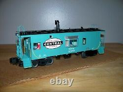 Lionel Train #17633 New York Central Bay Window Caboose